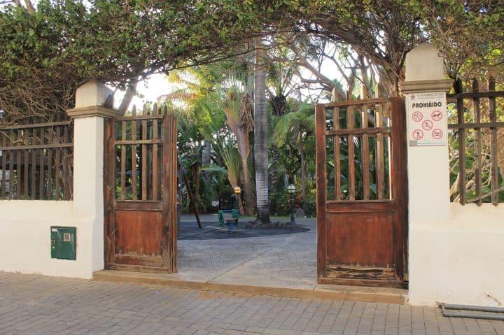 Puerta del parque lulú en Telde