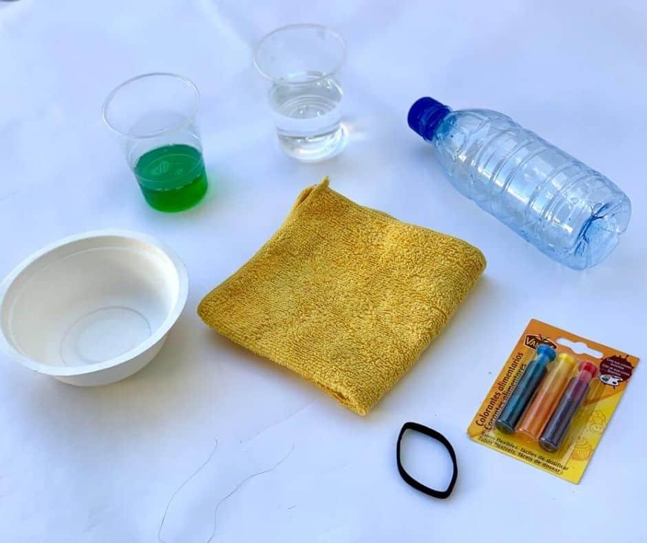 Materiales para crear serpiente de espuma de colores